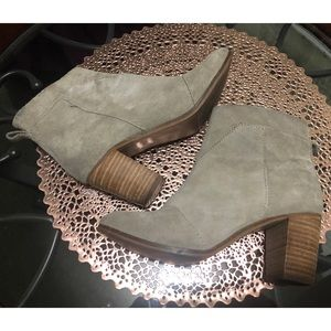 TOMS Beige Suede Leather Heeled Boots Size 7